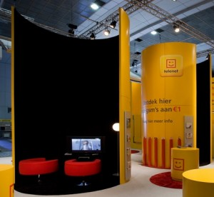 exhibition stand curved tube intimate