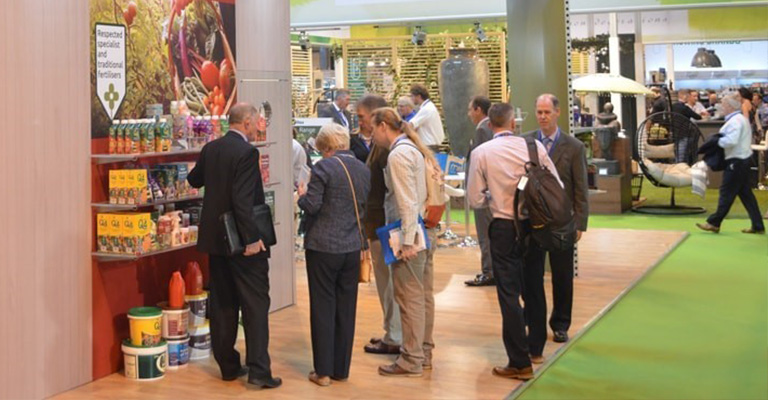 What are the Pros and Cons of Exhibiting at a Trade Show?